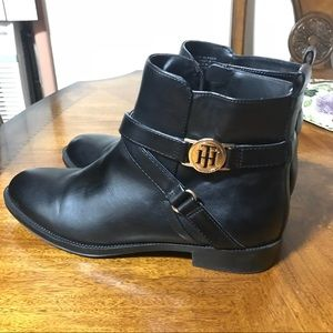 Tommy Hilfiger Black booties size 9M